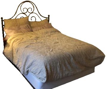 Full Size Bed Frame w/ Headboard