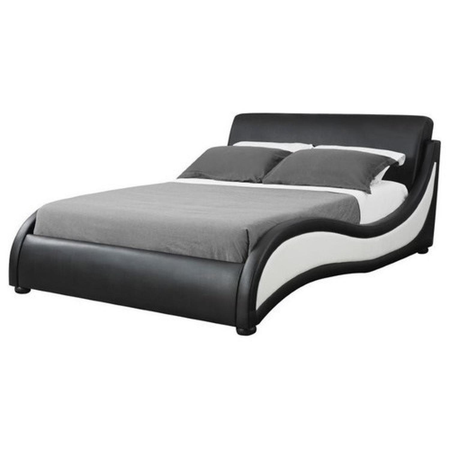 Modern 2-Tone King Size Bed w/ Space Age Design