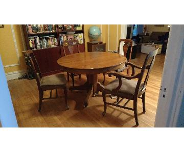 Antique Early 20th Century Oak Dining Table w/ 4 Chairs