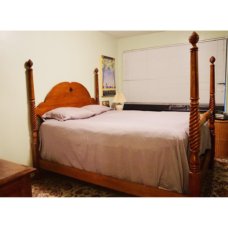 Vintage Queen Elizabeth S 4 Post Bed Frame Aptdeco