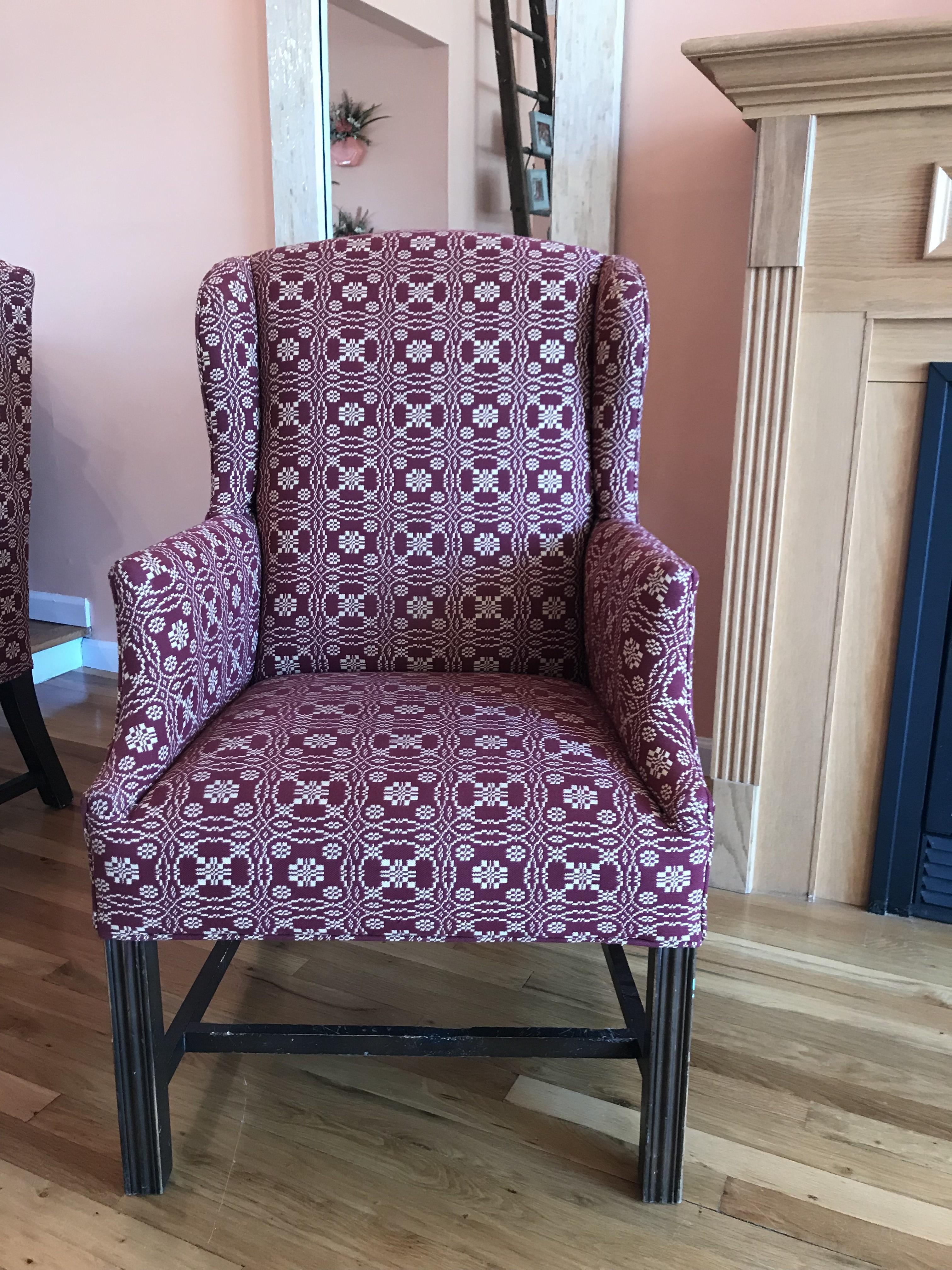 Astounding Custom Upholstered Accent Chair Aptdeco Gamerscity Chair Design For Home Gamerscityorg