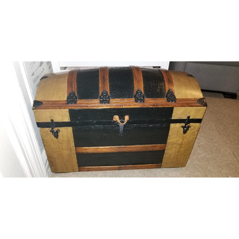 Round Top Antique Storage Trunk-2