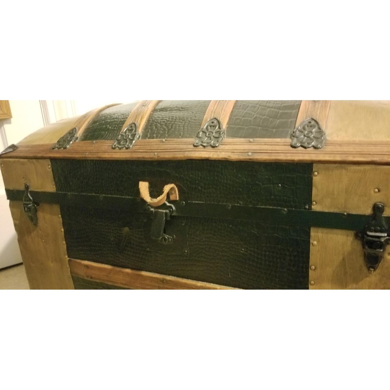 Round Top Antique Storage Trunk-4