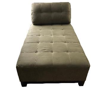 Raymour & Flanigan Herb Upholstered Tufted Chaise