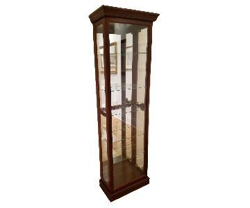 Pulaski Furniture Lighted & Mirrored Curio Cabinet