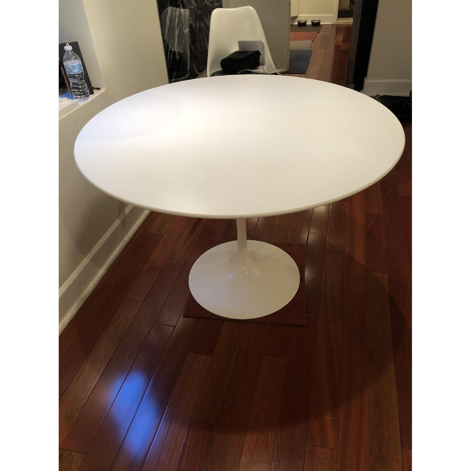 Eero Saarinen Dining Table w/ 4 Chairs-2