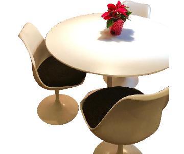 Eero Saarinen Dining Table w/ 4 Chairs