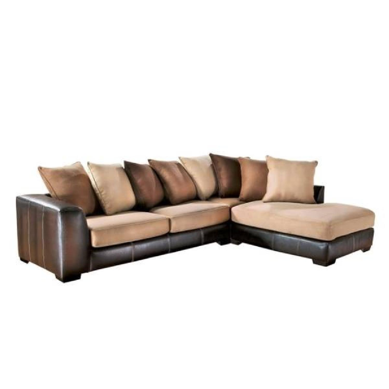 Rooms To Go 2-Piece Sectional Sofa & Ottoman