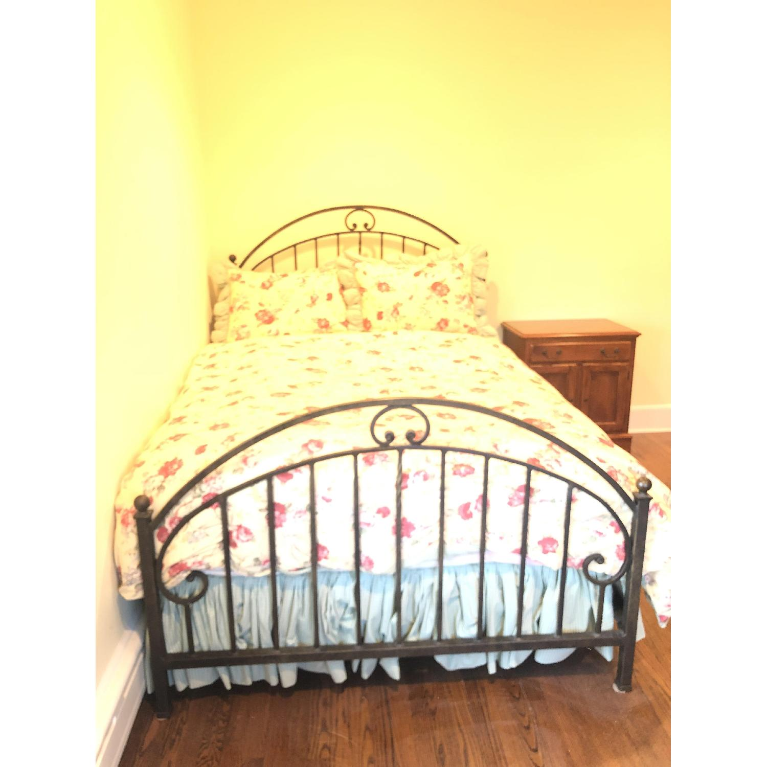 Ethan Allen Full Wrought Iron Bed