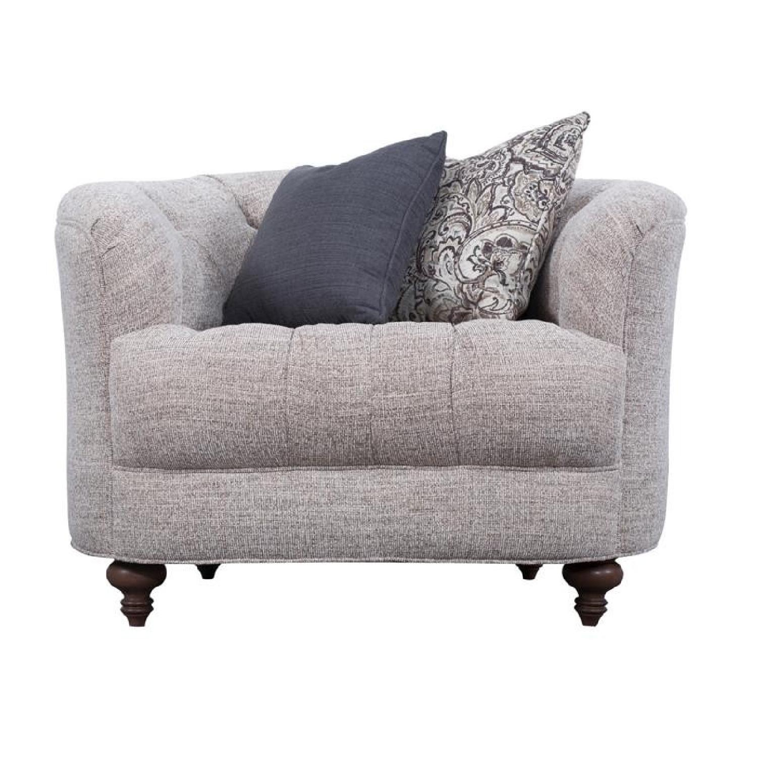 Magnussen Home Furnishings Rounded Arm Chair
