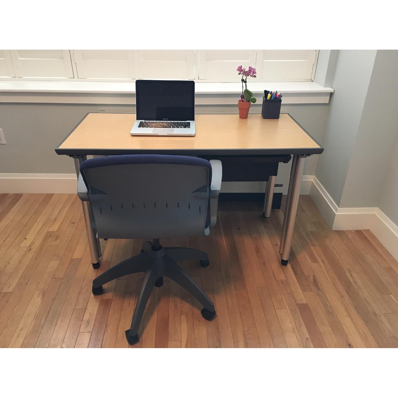 Knoll Propeller Desk & Soho Chair - image-5