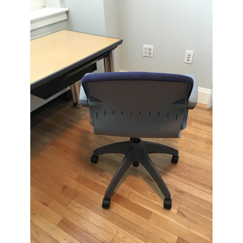 Knoll Propeller Desk & Soho Chair - image-9