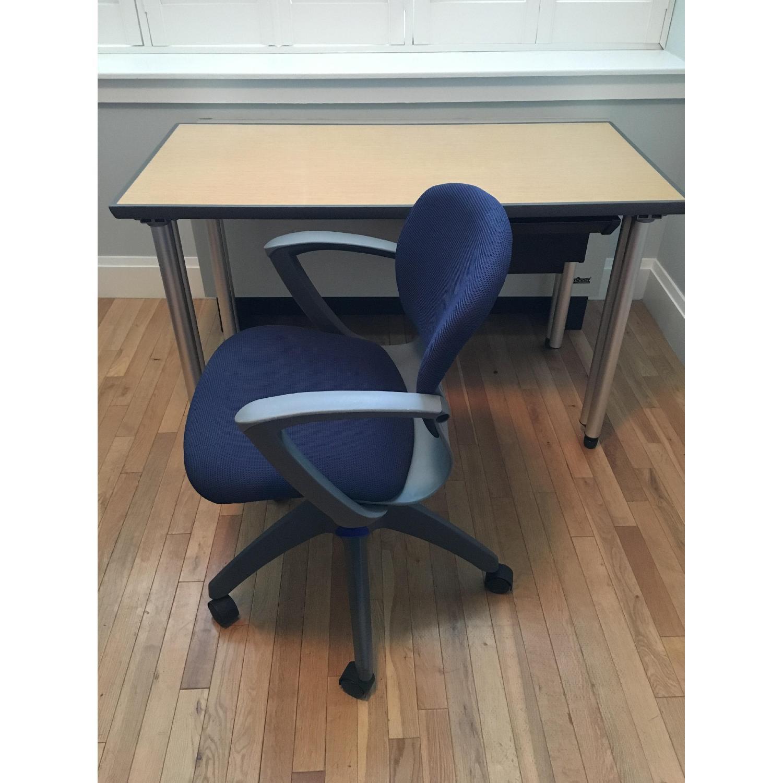 Knoll Propeller Desk & Soho Chair - image-10