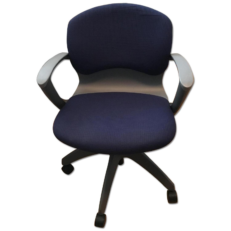 Knoll Propeller Desk & Soho Chair - image-12