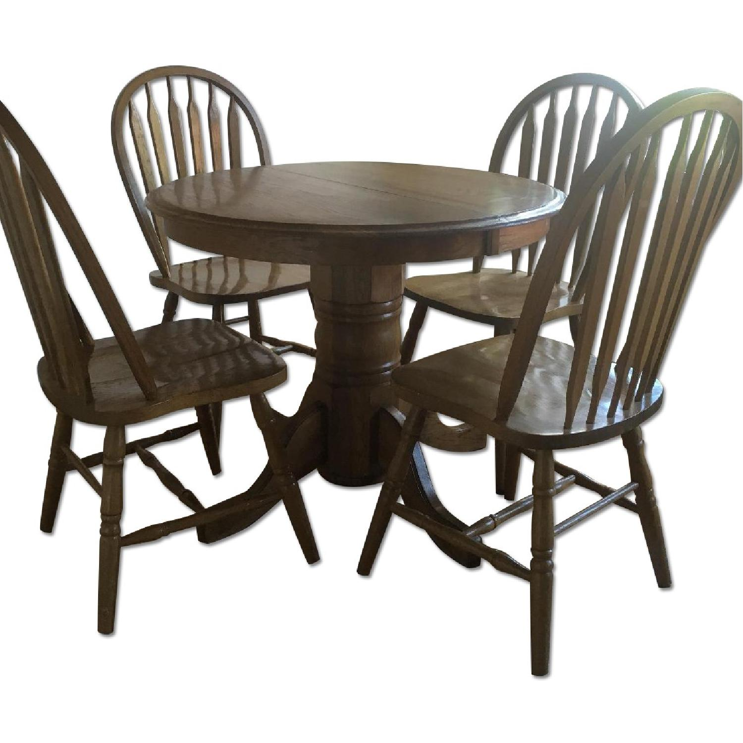 Oak Expandable Dining Table w/ 4 Chairs - image-0