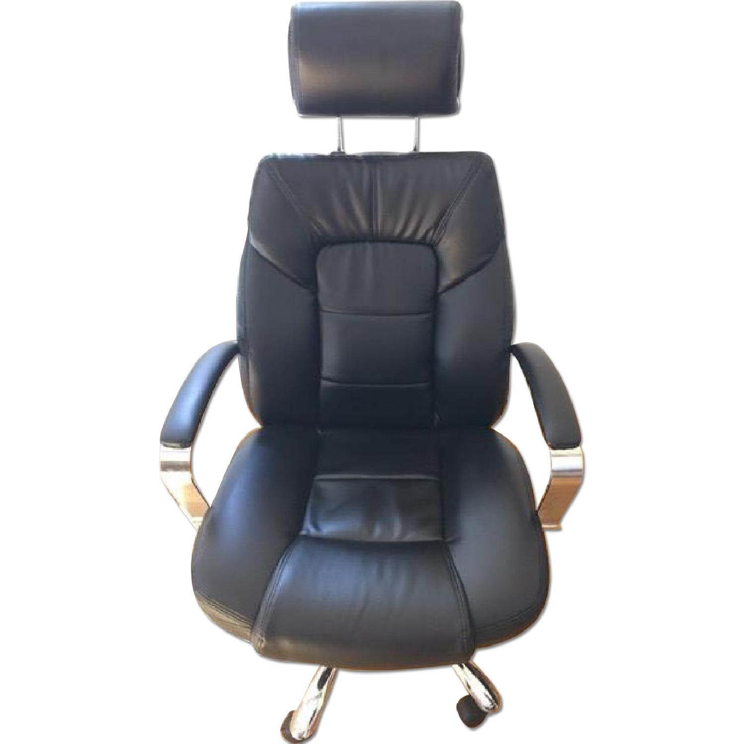 Oversize Leather Chair w/ Adjustable Headrest in Black - image-0