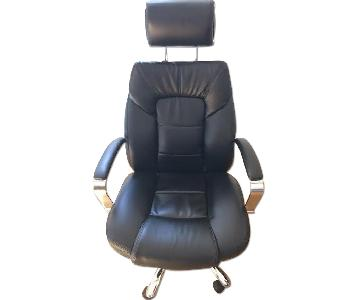 Oversize Leather Chair w/ Adjustable Headrest in Black