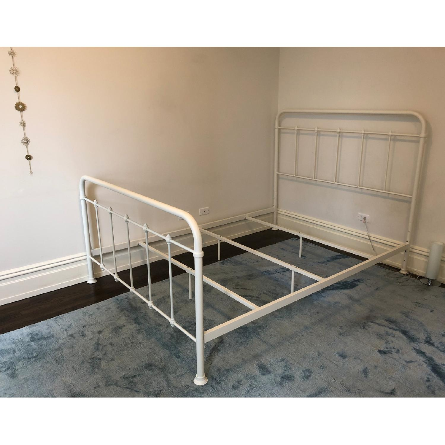 Shabby Chic Queen Metal Bed in Vintage White-4