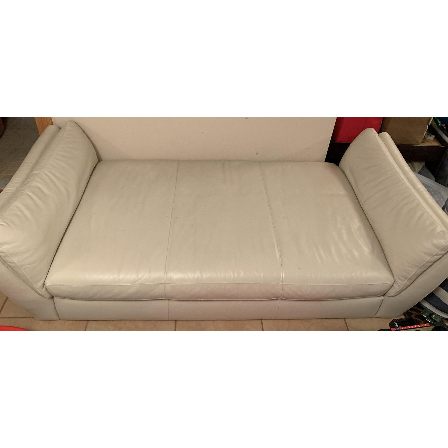 Italsofa Cream Leather Daybed/Chaise Lounge - AptDeco
