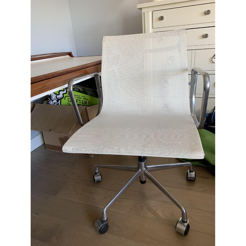 Herman Miller Airia White/Brown Desk & Chair-6