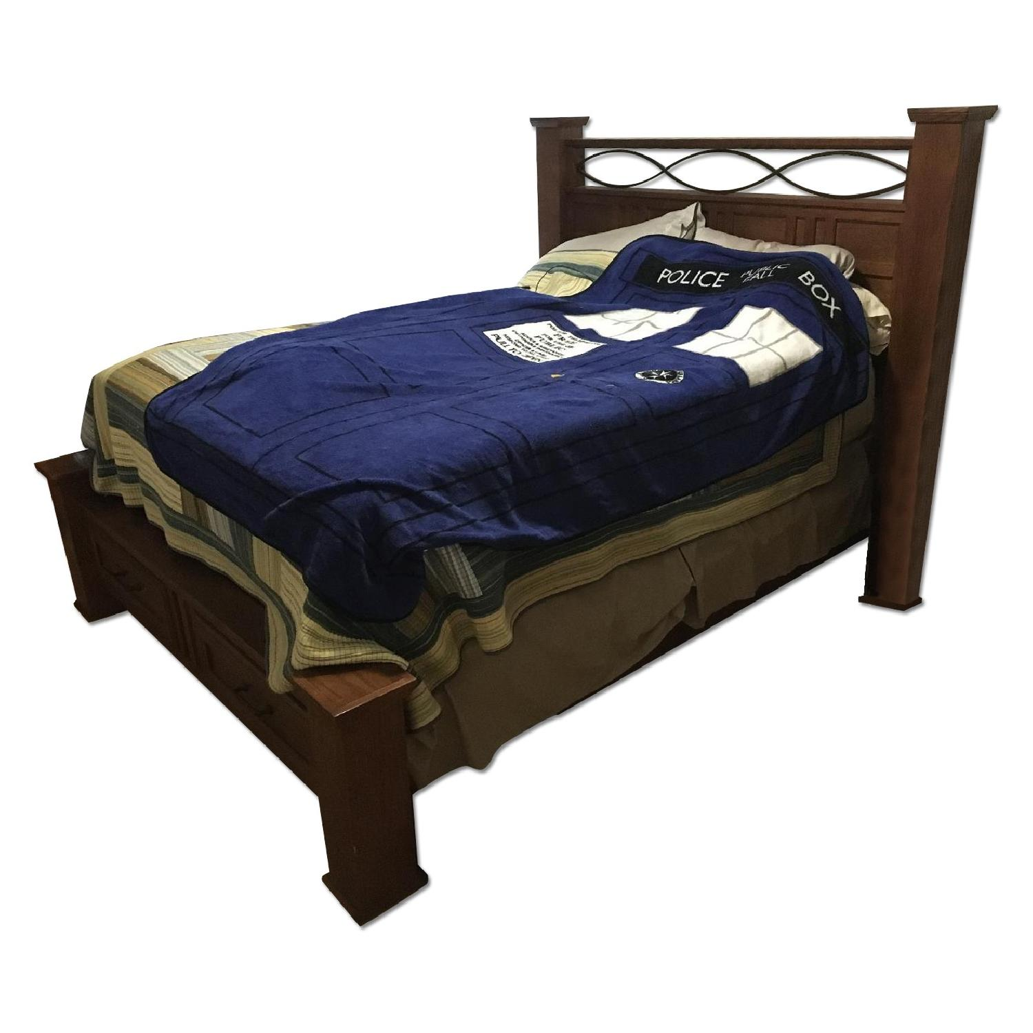 Raymour & Flanigan Queen Size Wooden Storage Bed Frame + 2 Nightstands - image-0