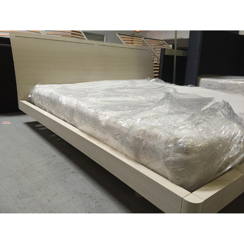 Lazzoni White King Size Bed Frame - image-7