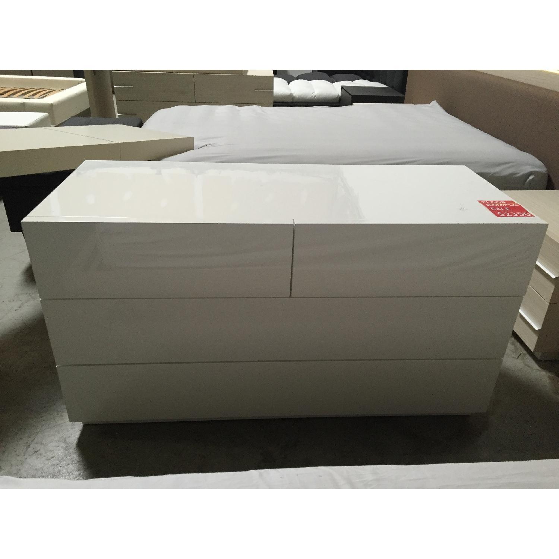 Lazzoni White Dresser - image-2