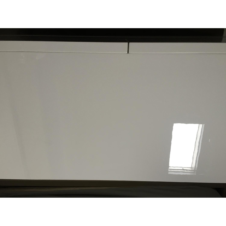Lazzoni White Dresser - image-4