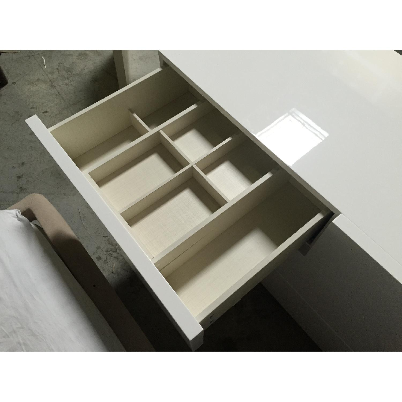 Lazzoni White Dresser - image-6