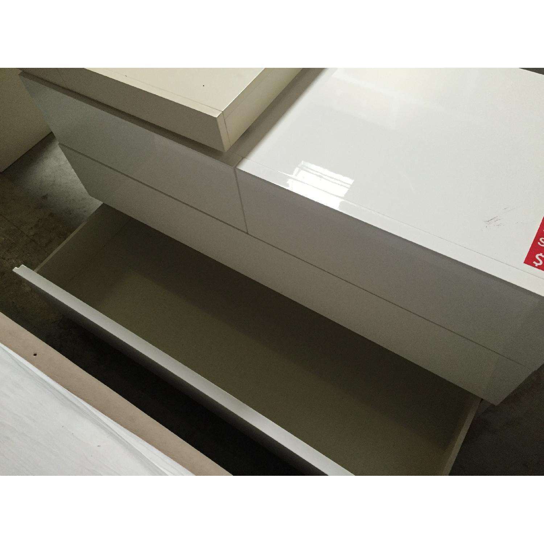 Lazzoni White Dresser - image-8