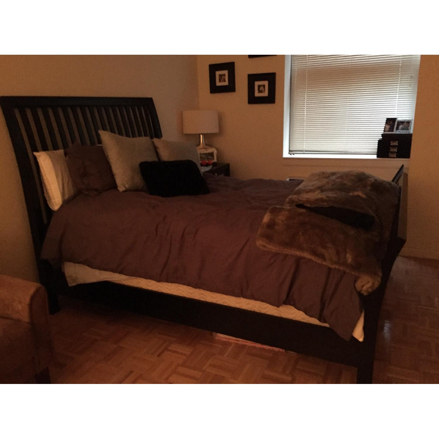 Rooms To Go Queen Size Wood Bed Frame - image-1