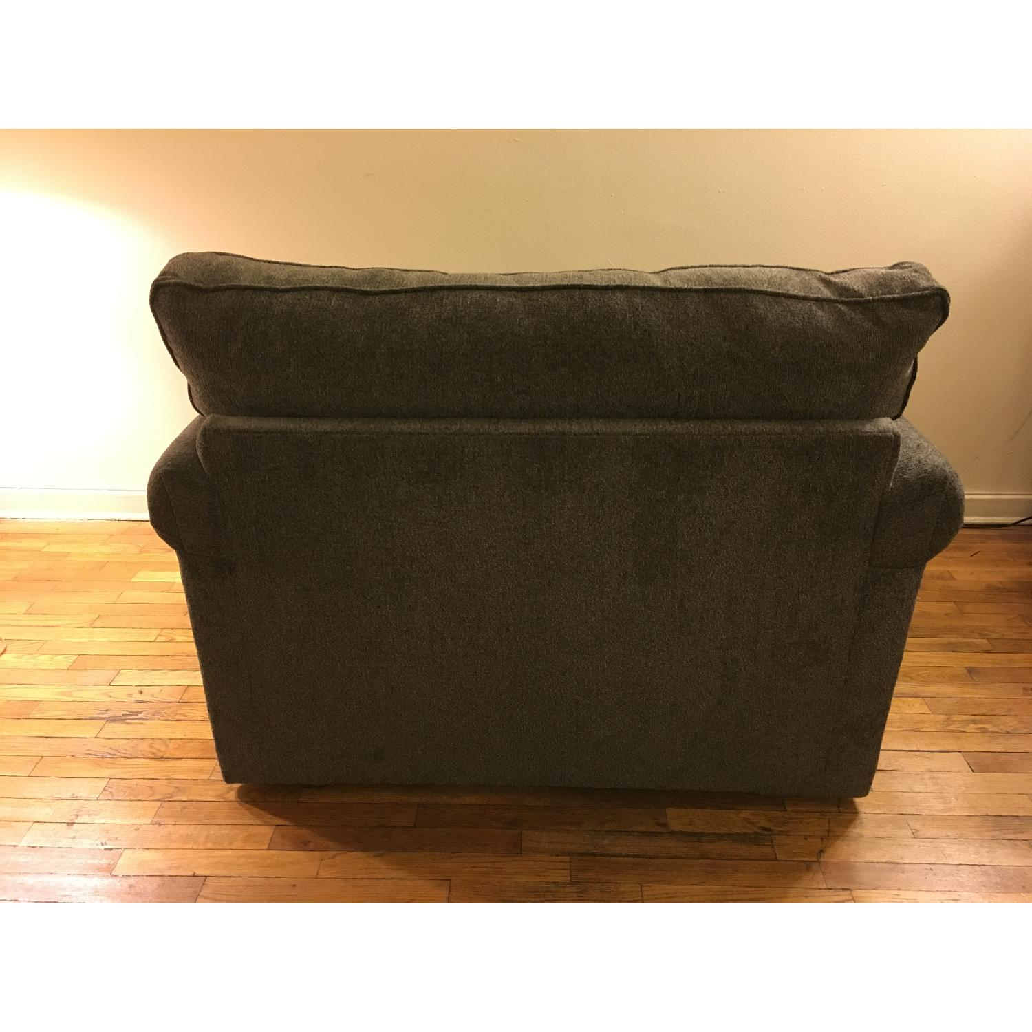 Bob's Benton Twin Sleeper Sofa - image-5