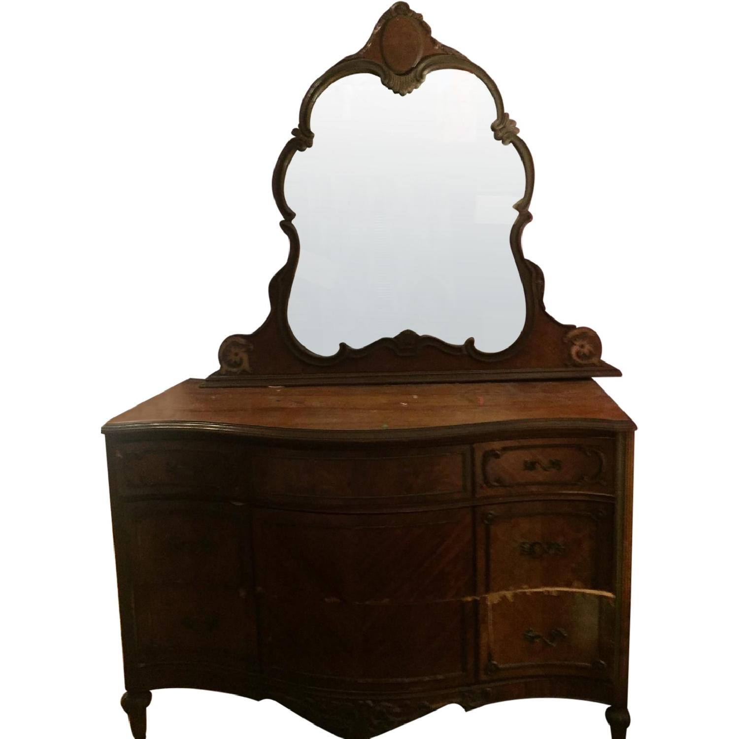 Antique Dressers w/ Mirror - image-0