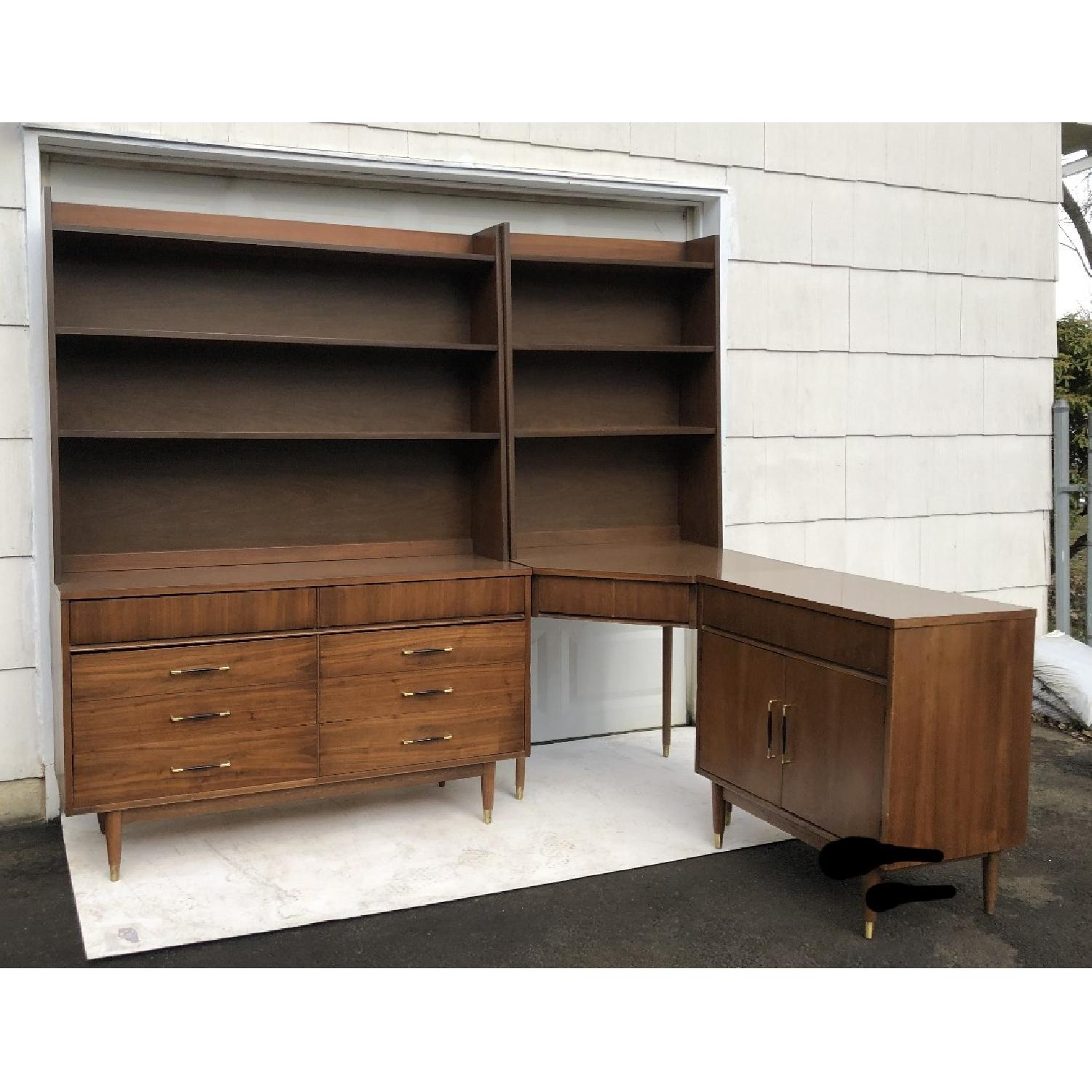 Image of: Mid Century Modern Bedroom Set With Dresser Desk And More Aptdeco