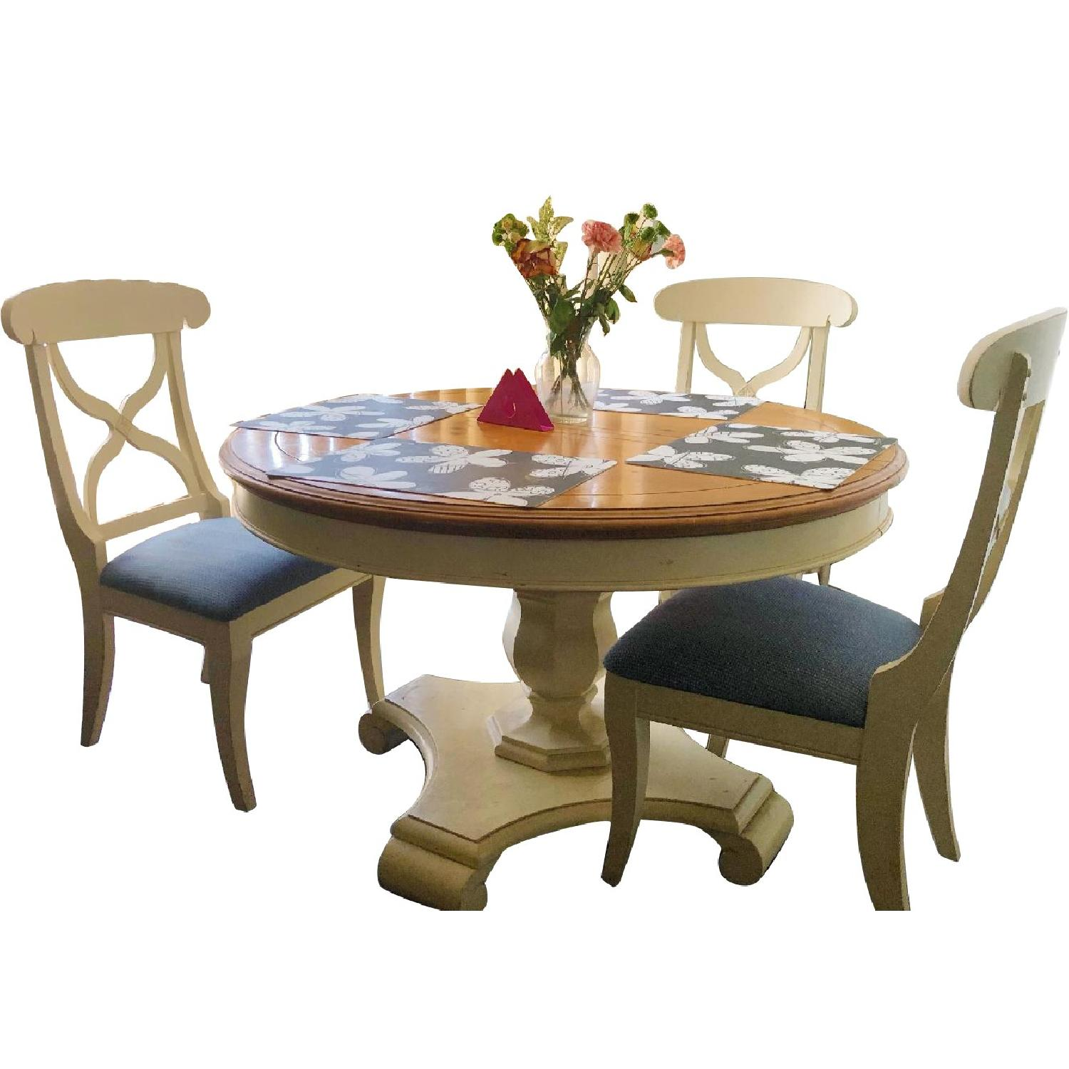 Ethan Allen 7-Piece Expandable Dining Set