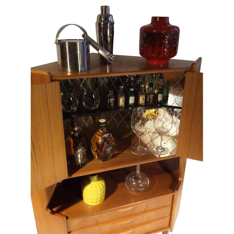 Omann Jun Teak Corner Bar/Cabinet - image-4
