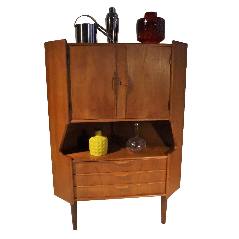 Omann Jun Teak Corner Bar/Cabinet - image-5