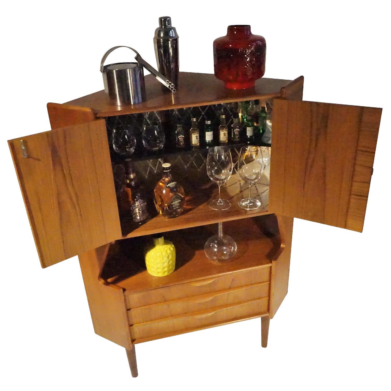 Omann Jun Teak Corner Bar/Cabinet - image-6
