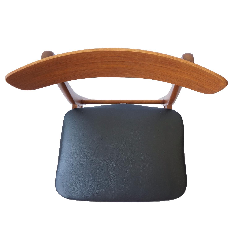 Farstrup V-Back Teak Chairs - image-12