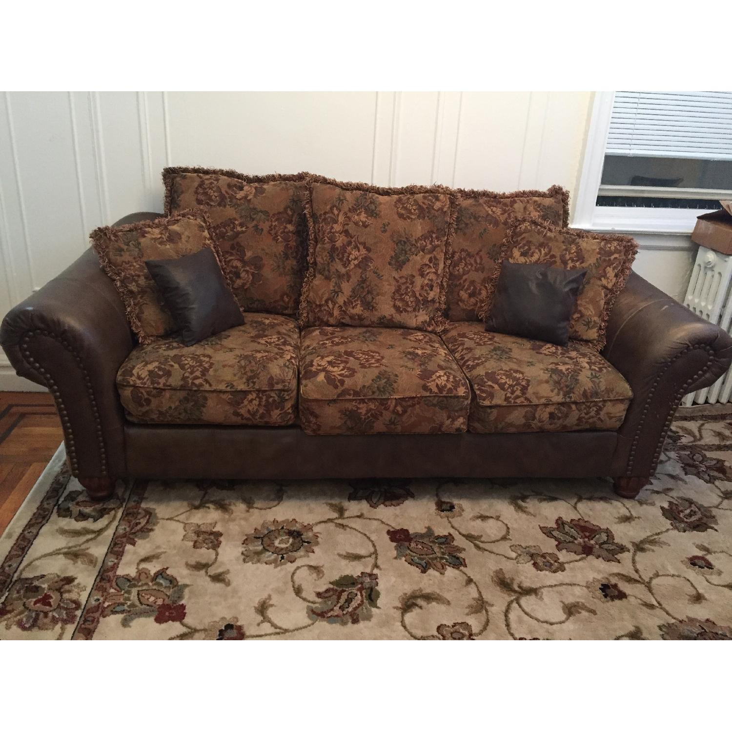 Ashley 3-Seater Leather Upholstered Couch - image-1