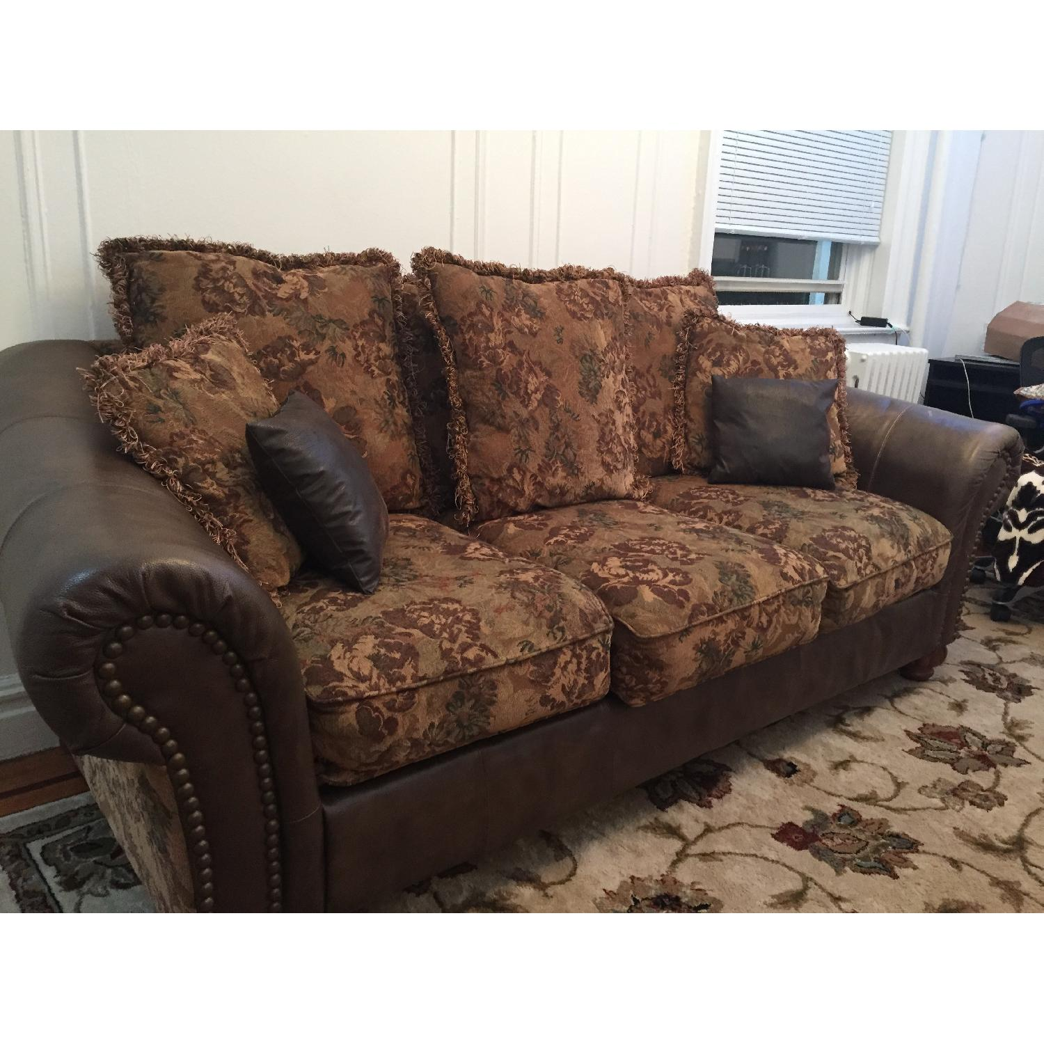 Ashley 3-Seater Leather Upholstered Couch - image-3