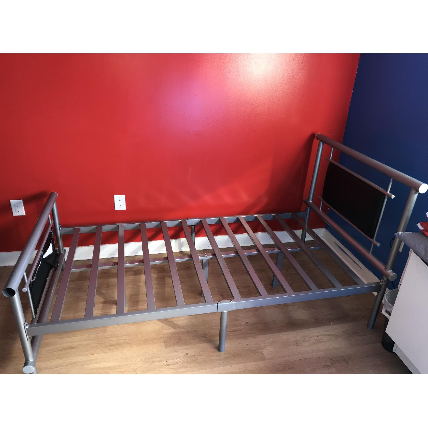 Black Metal Twin Size Bed Frame-1