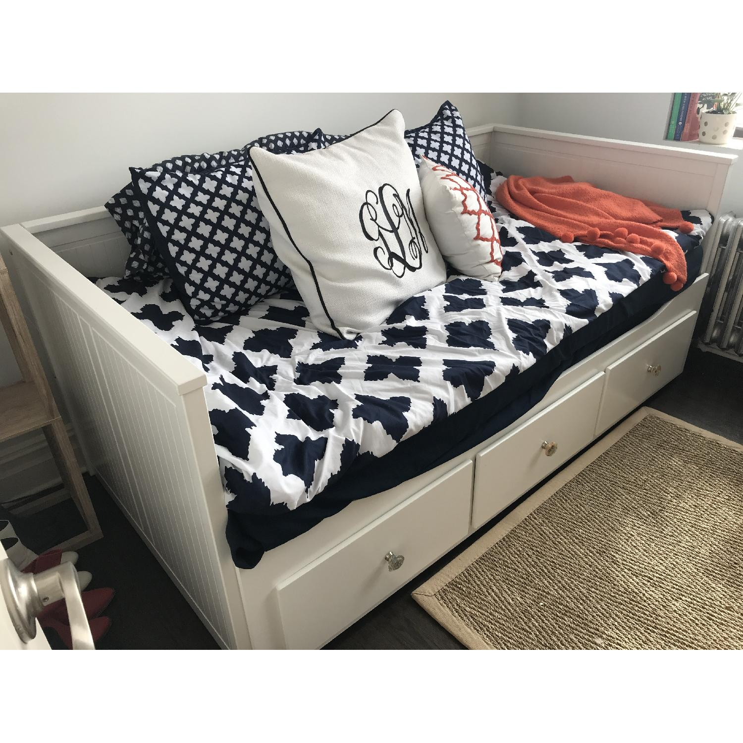 Ikea Hemnes White Daybed w/ 3 Drawers & Trundle-1