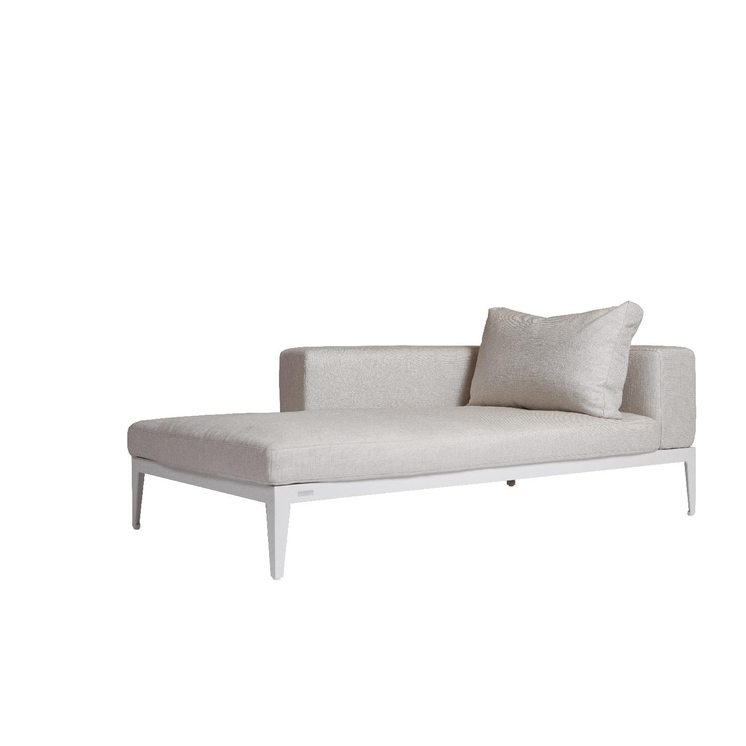 Harbour 1976 Balmoral 2-Piece Sectional Sofa w/ Chaise-2