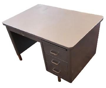 Steelcase 3 Drawer Tanker Desk & Chair