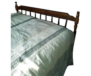 Queen Size Wood Bed Frame w/ Headboard