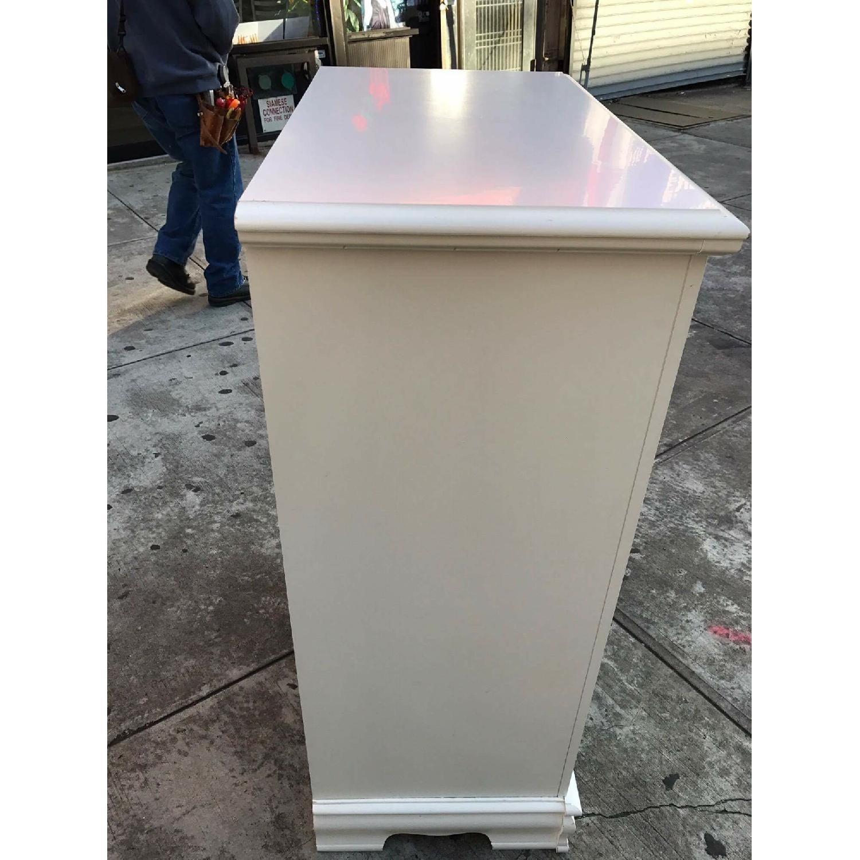 Bassett Vintage White Dresser - image-6