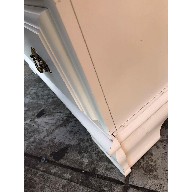 Bassett Vintage White Dresser - image-14