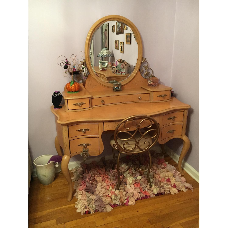 Jessica Mcclintock Vintage 4 Piece Bedroom Furniture - image-1
