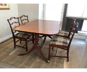 Vintage Expandable Dining Table w/ 4 Chairs